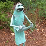 Frog with Apron